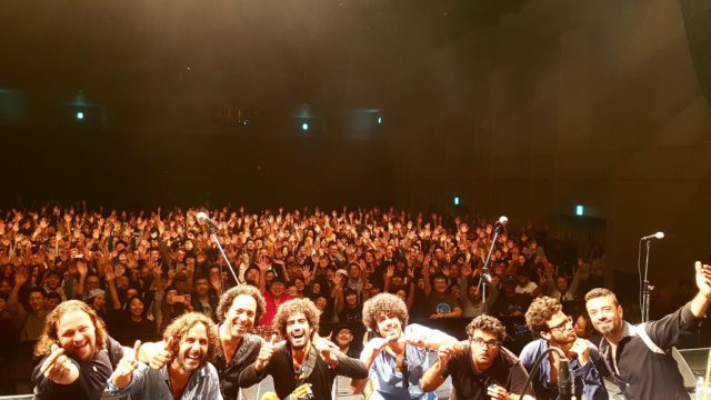 japan magic crowd